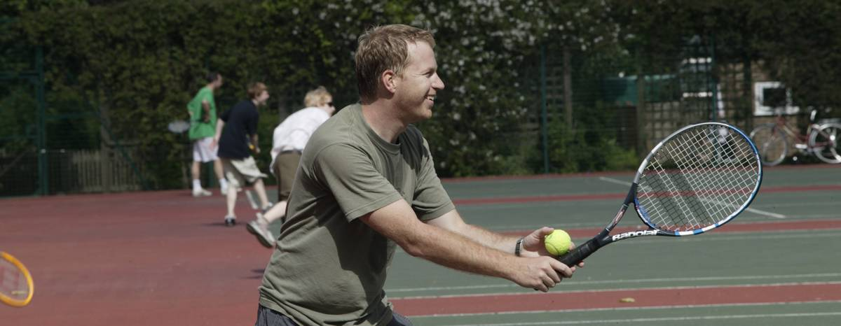 Play Tennis At Queen S Park City Of London